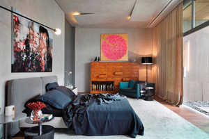 This Master Suite Blends Window Views with User Privacy