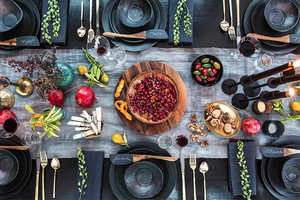 These Holiday Table Settings Will Leave You Weak in the Knees