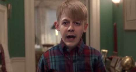 Solo Holiday Movie Recreations - Paul Little Recreates the Home Alone Film Starring Only Himself