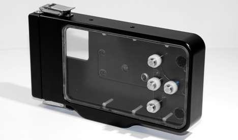 Deep-Sea Smartphone Sheaths - The Ovision Underwater Iphone Case Can Be Taken Up to 300 Feet Deep
