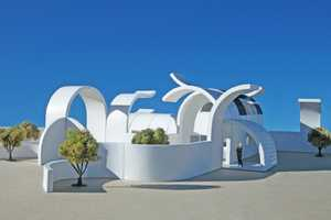 This Modular Architecture is Curved and Customizable