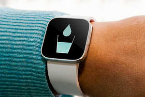The th2O Medical Bracelet is a Constant Reminder of Water Consumption