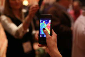The FLIR One iPhone Case Debuted at CES 2014 & Navigates the Dark