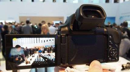 Versatile Pop-Out Screen Cameras - The New Sleek and Compatible Samsung NX30 Launched at CES 2014