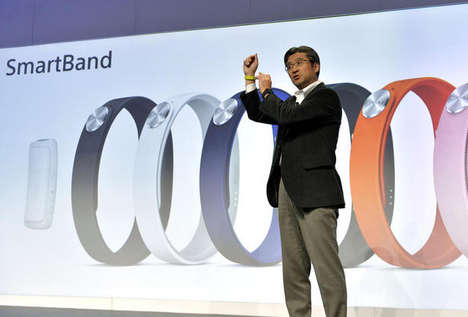 Smart Stat Trackers - Sony Gets in on the Stat Tracker Game with its SmartBand at CES 2014