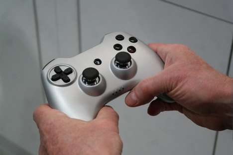 Full-Sized Smartphone Game Controllers - The Signal RP1 is a Carbon Copy of Console Game Remotes
