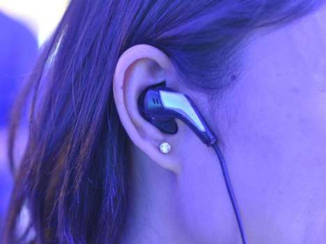 Personal Trainer Earbuds - Intel's Smart Earbuds Lead the Race at CES 2014