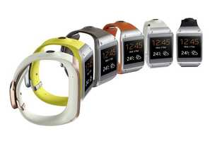 The Samsung Galaxy Gear 2 Displays at CES 2014