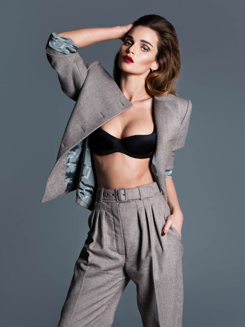 Seductive Office Wear Editorials