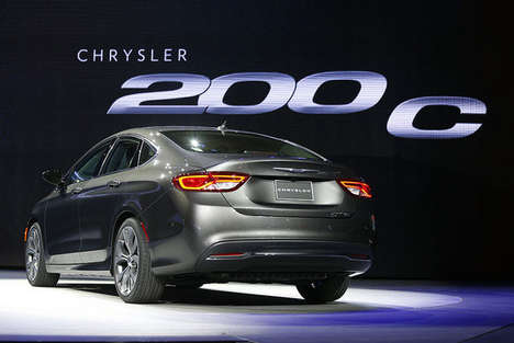 Sporty Yet Soulful Sedans - The 2015 Chrysler 200 Made a Roar at the Detroit Auto Show 2014