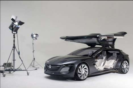 Social Media-Synced Vehicles - The Vauxhall Monza Brings the Future to the Detroit 2014 Auto Show