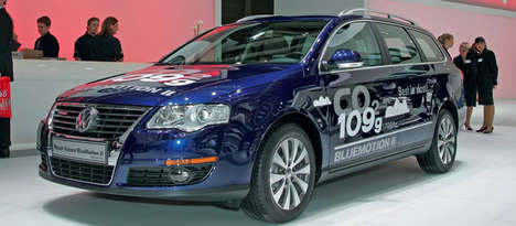 Sleek Fuel-Preserving Family Cars - The Fuel-Efficient Passat Debuted at the Detroit Auto Show
