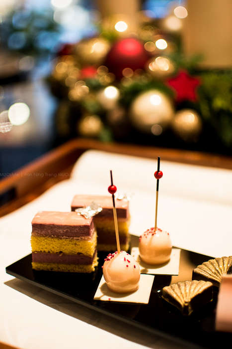 Mandarin Oriental Combines Cakes with an Iconic Fashion Label