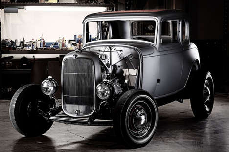 Retro Roadster Car Frames - The 1932 Ford 5-Window Coupe Can Be Used in a DIY Retro Car Project