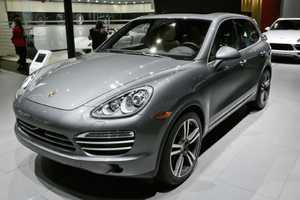 The Porsche Cayenne Platinum Edition Was Showcased at 2014 NAIAS