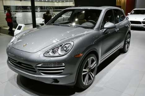 Lavishing Platinum SUV Vehicles - The Porsche Cayenne Platinum Edition Was Showcased at 2014 NAIAS