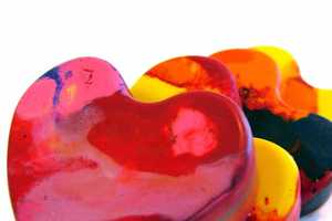 These Heart-Shaped Crayons are Perfect for Valentine's Day Drawing