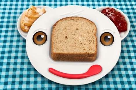Bear-Faced Sandwich Plates - The Spreddy Bear Plate Makes Sandwich Making Unbearably Easy