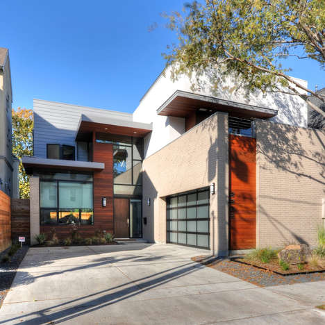 Lateral Garage Lodges - This Modern Family House is Designed Differently than its Neighbors