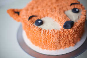 This Buttercream Frosted Cake was Made by Baker Lyn­d­say Sung