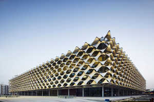 King Fahd Library is a Lattice Cube Inspired by Classical Architecture