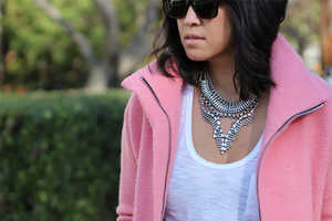 This DIY Vintage Statement Necklace is Ideal for Old School Fashionistas