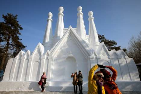 30 Impeccable Ice Creations - From Backyard Ice Forts to Melting Moms