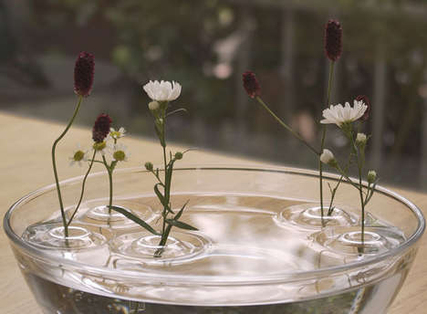 Floating Flower Vases - Theses Floating Vases Create a Romantic Effect to Your Decor
