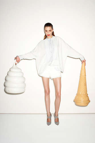 Brazenly Accessorized Lookbooks - The Sass and Bide Resort Lookbook Gets Tongue-in-Cheek