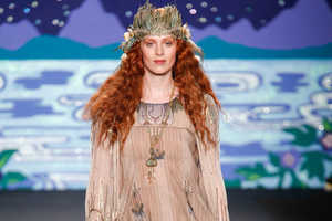 The Anna Sui Spring 2014 is a Wonderland of Fashion