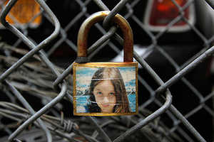 The Art Installations by Allan Molho Lock in Precious Photo Moments