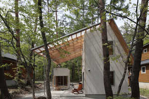 Villa in Hakuba's Roof can Withstand Heavy Snowfall and Sunlight