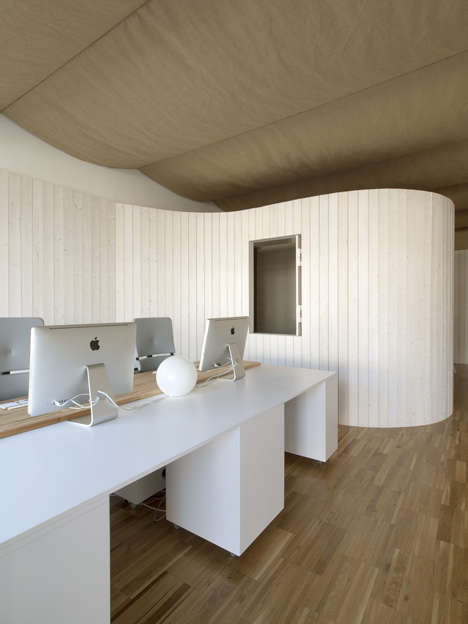 Modular Wooden Walls - Domohomo Architects Built a Modular Wall That Separates Two Spaces