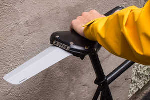 These Lightweight Bike Seats are Comfortable and Portable