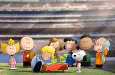 Comic Character Football Anthems - MetLife Stadium Has Peanuts Characters Kick Off the Super Bowl