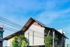 The Baan Yo Yen House in Thailand is Sustainably Traditional