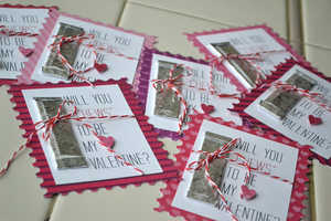 DIY Gum Valentine's Day Cards Can Be Sweet
