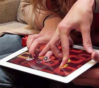 Hand-Twisting Intimacy Apps - The Fingle App Game for iPad is the Perfect First Date Ice-Breaker
