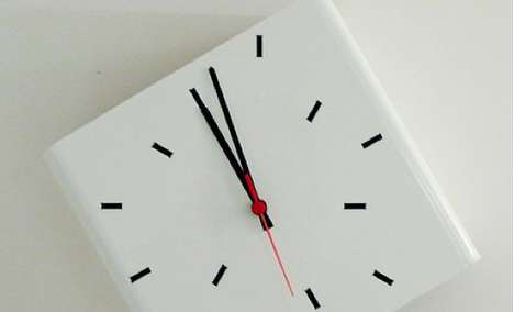 Quirky Askew Chronometers - The Duetempi Wall Clock Displays the Hour in a Nearly Indecipherable Way