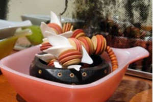 Recycled Kitchen Gadgets As Decor
