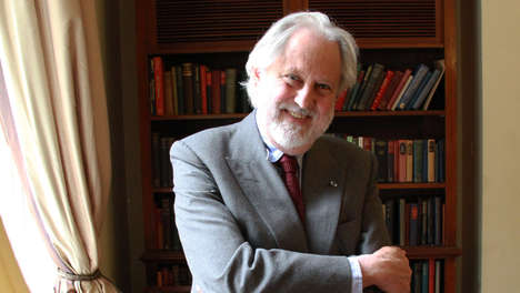 Care of Duty in the Press - David Puttnam Discuss Media Responsibility in His Democracy Keynote