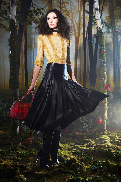 Bewitching Elizabethan Era Lookbooks - The Alice + Olivia Fall 2014 Line is Inspired by Shakespeare