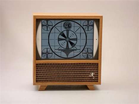 Wooden Encased Tablet Sets - This iPad Wooden Case Transforms into a Retro TV Set