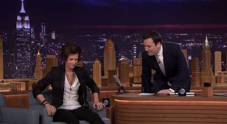 Hilarious Boy Band Impressions - Kristen Wiig Performs a Harry Styles Impression on the Tonight Show