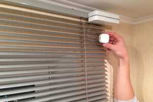 Jalousier Will Close Your Blinds Whenever it Gets too Bright