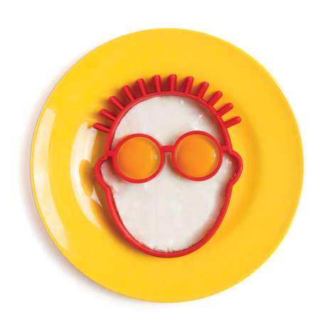 Facial Figure Egg Shapers - Greggs Fried Egg Shaper Brings a Fresh Face to Breakfast