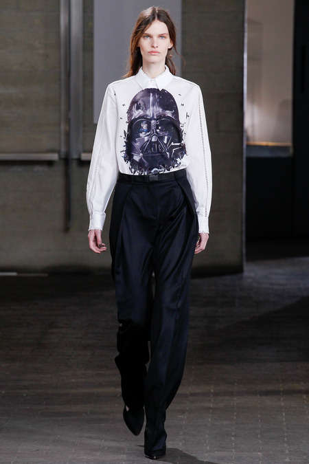 Darkly Villainous Womenswear - The Preen Fall 2014 Fashions Aren't Afraid to Show Their Dark Side