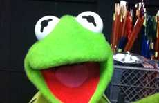 Hilarious Famous Puppet Selfies - These Muppet Selfies are HIlarious and Nostalgic
