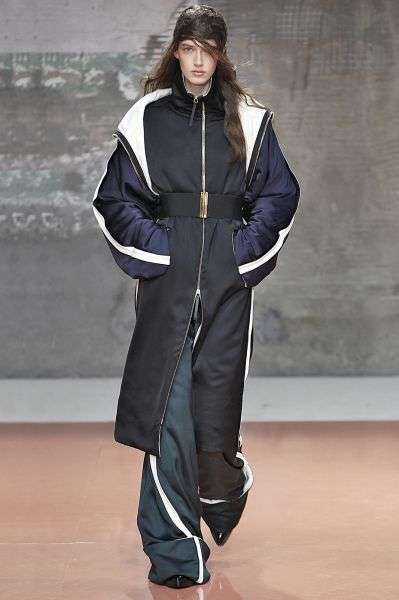 Cinched Sleeping Bag Sartorials - The Marni Fall 2014 Collection Features Cinched Waists