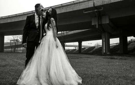 Gas Mask Wedding Photography - Smog Forced This Chinese Couple to Wear Masks on Their Big Day